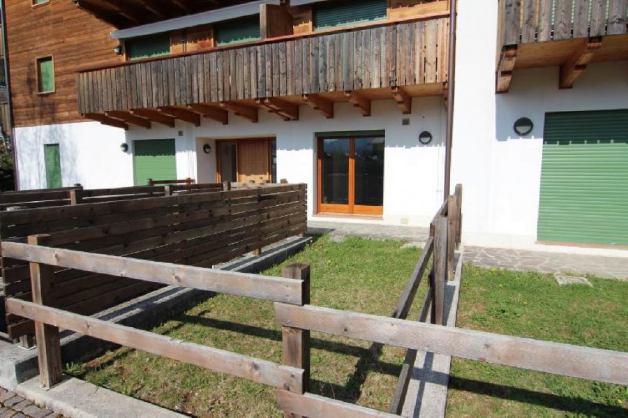 Pieve di cadore appartamento for Piani di casa in stile ranch con garage a lato